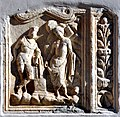 Moosburg Pfarrkirche roemischers Grabbaurelief mit Schreiberdarstellung 30102010 995.jpg