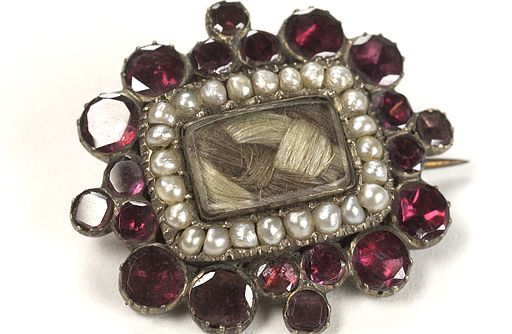 Mourning brooch containing the hair of a deceased relative. Wellcome L0036419