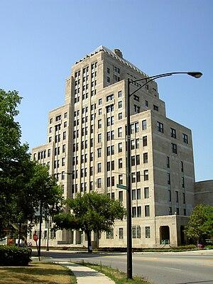 Mundelein College - Mundelein Center from Sheridan