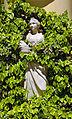 Mythologische weibliche Figur (Schloss Laudon).jpg
