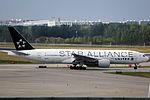N794UA - United Airlines - Boeing 777-222(ER) - Star Alliance Livery - PEK (14783666658).jpg