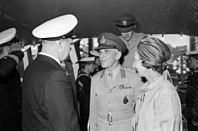 NATO-General Sir Kenneth Darling auf der Kieler Woche 1968 (Kiel 43.504).jpg