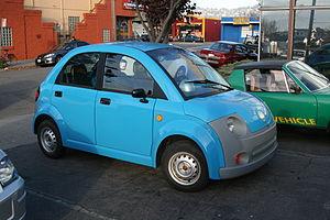 Dynasty IT - Image: NEV i T Blue Sedan RFQ0254