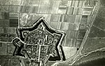 NIMH - 2155 043701 - Aerial photograph of Willemstad, The Netherlands.jpg