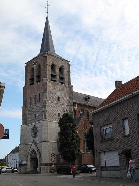 Bestand:Noorderwijk, kerk foto2 2009-08-30 10.43.JPG