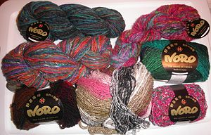 Hank (textile) - Hanks and skeins of yarn. The three uppermost yarns are in hanks.