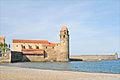 Notre-Dame des Anges et son fanal-clocher (Collioure) (5721629835).jpg