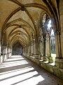 Noyon (60), cathédrale Notre-Dame, cloître, galerie ouest, vue vers le nord 1.jpg