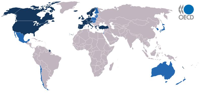 Miebros de la OCDE, en azul oscuro países fundadores.