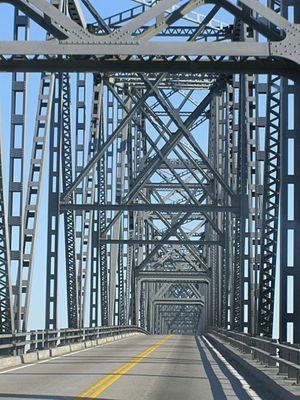 Cairo Ohio River Bridge - Image: Ohio River Bridge Cairo to Wickliffe Interior