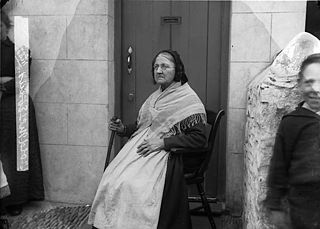 Old Mrs Evans, Y Borth