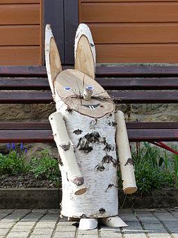 Osterhase aus Birkenholz