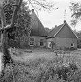Overzicht van de voorgevel van de boerderij met rechts de boavenkamer - Haaksbergen - 20095245 - RCE.jpg