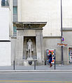 P1240832 Paris VII rue de Sevres fontaine du Fellah rwk.jpg