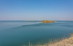 PK Keenjhar Lake near Thatta asv2020-02 img1.jpg