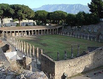 Follis (ball) - Gym of the Ancient Greece