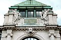 Palmenhaus Wien Figuren.jpg