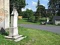 Památník u kostela svatého Michaela archanděla ve středu Jiříkova (Q72850238) 03.jpg