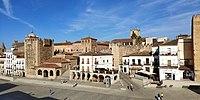 Parte antigua de Cáceres, Extremadura, España.jpg
