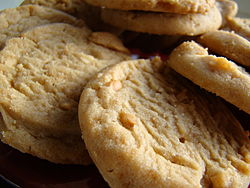Peanut butter cookies, September 2009.jpg