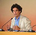 Pedro Zerolo en la rueda de prensa previa al pleno de septiembre de 2013.jpg