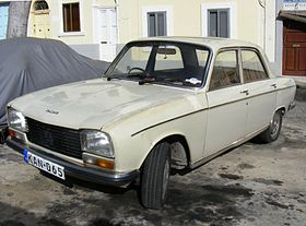 Peugeot 304, Malta feb 2011 - Flickr - sludgegulper slightly less rakish angle.jpg