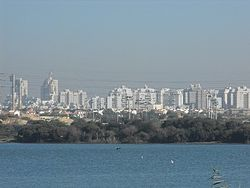 Rishon LeZion skyline and lake