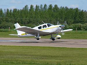 Landing flare - Piper PA-28 Cherokee flaring for landing