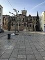 Place des Clercs (Valence) en janvier 2021 et la cathédrale.jpg