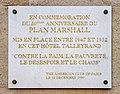 Plaque 50e anniversaire du Plan Marshall - Rue de Rivoli à Paris - FR.JPG