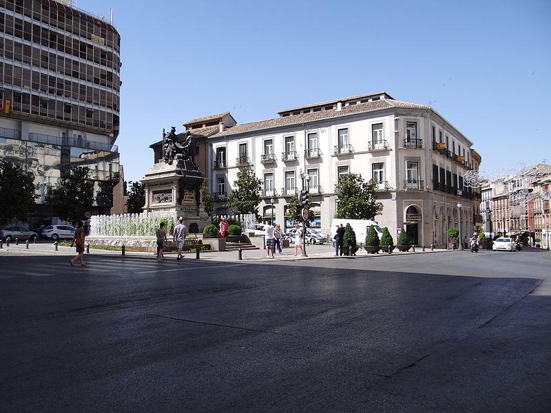 Semana santa y mas de la plaza isabel ii y plaza nueva for Oficina 1892 banco santander