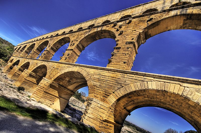 Datei:Pont du Gard HDR.jpg