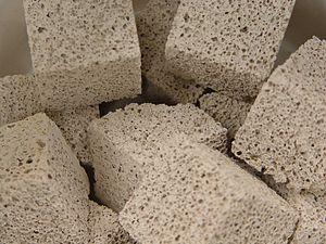 Porous medium - Image: Porousceramic