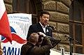 Praha, Václavské náměstí, říjnová demonstrace proti přijetí uprchlíků, Tomio Okamura.jpg