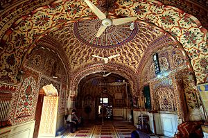 Sunehri Mosque, Lahore - The mosque's interior is ornately embellished with Mughal-era frescoes.