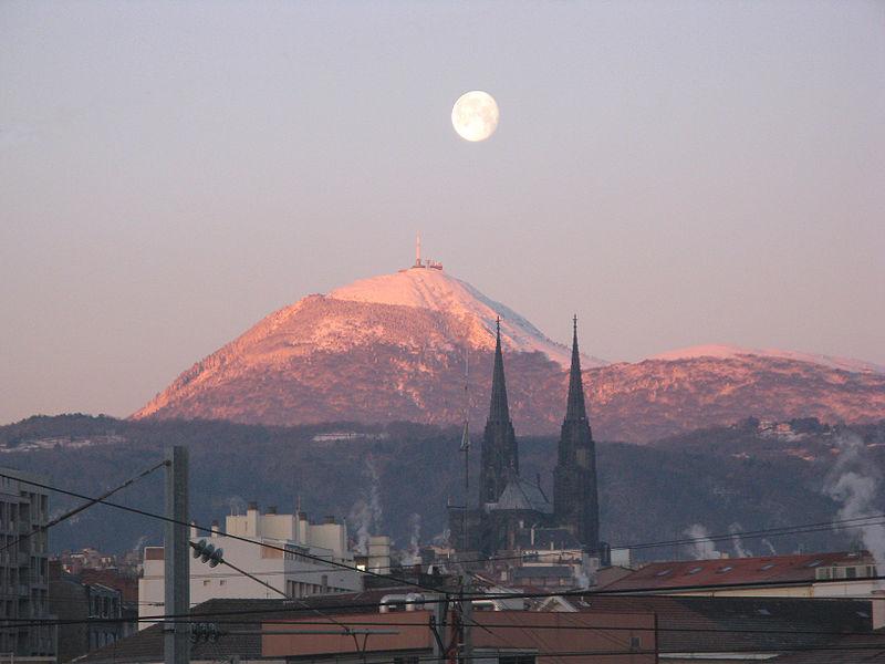 Fichier:Puy de Dôme.jpg