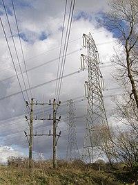 Pylons, Nursling - geograph.org.uk - 344587.jpg