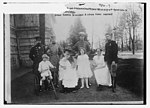 Queen of Roumania and children with Crown Prince of Germany LCCN2014684555.jpg