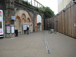 Queens Road Peckham railway station.JPG