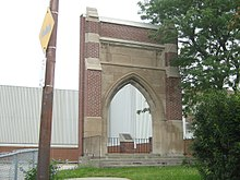 R.H. King Collegiate Institute Archway.jpg