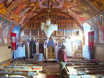 RO CJ Biserica Inaltarea Domnului din Podeni (5).jpg