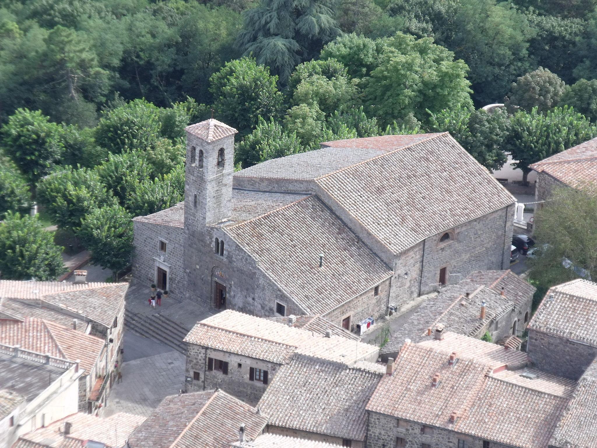 Radicofani, chiesa di San Pietro veduta dalla Rocca
