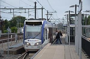 Een sneltram in Den Haag