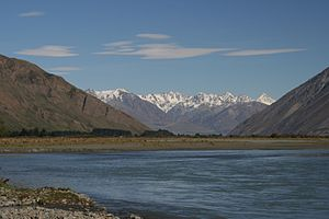 The Amazing Race Australia 3 - On the first leg of the race, teams white-water rafted down New Zealand's Rangitata River.