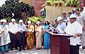 "Ravi Shankar Prasad administering the Swachhata pledge as part of the ""Swachhata Hi Seva"" Abhiyan, at Electronic Niketan, CGO Complex, New Delhi.JPG"