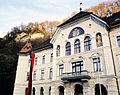 Regierungsgebäude in Vaduz 2.jpg