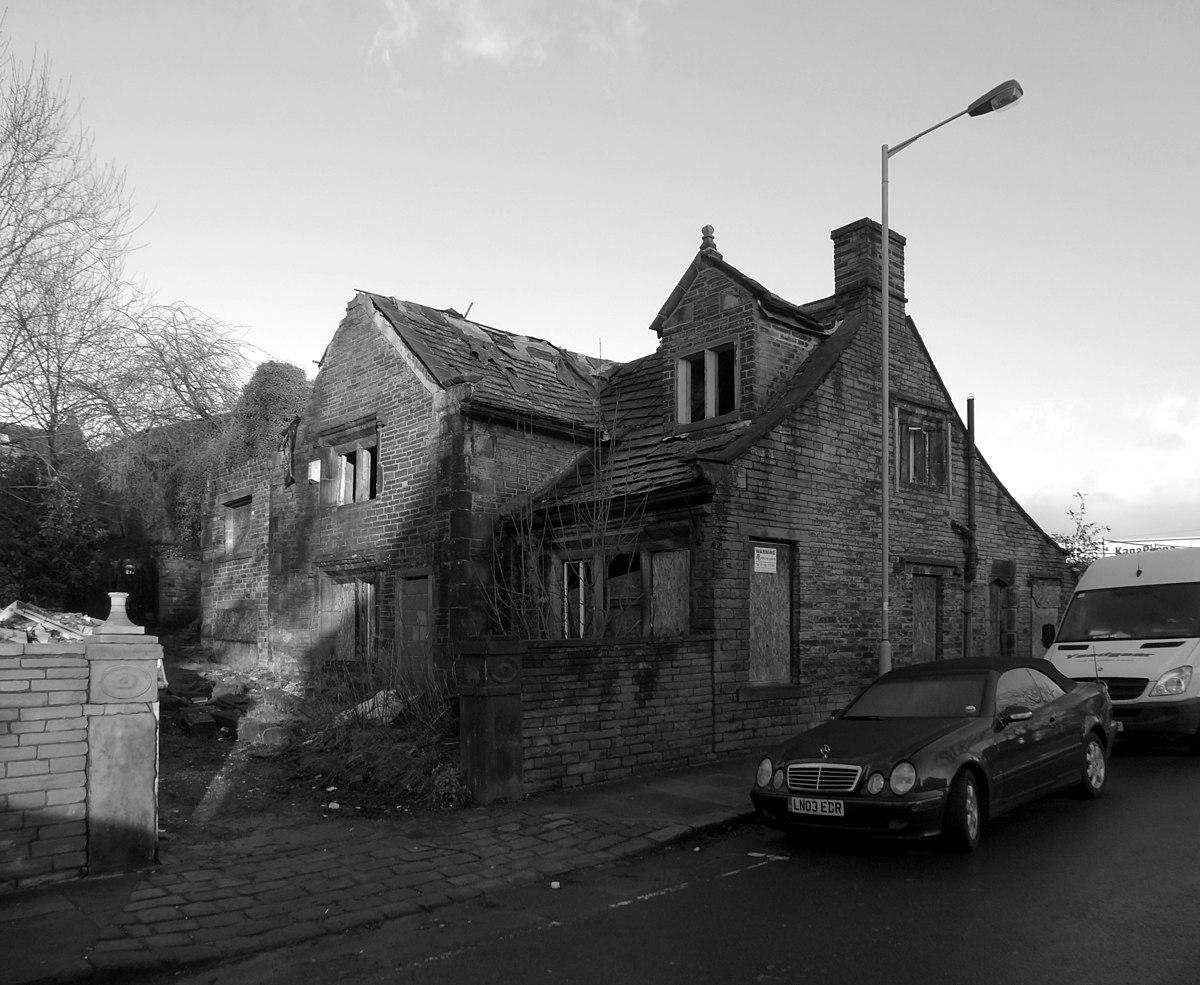 Remains of Manor House, Rosebery Road, Manningham.jpg