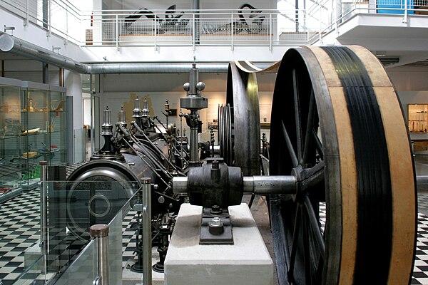 Remscheid - Werkzeugmuseum in - Dampfmaschine 06 ies.jpg