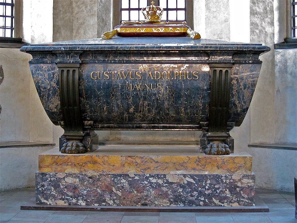 1024px-Riddarholmskyrkan_Gustav_II_Adolfs_sarkofag_2.jpg