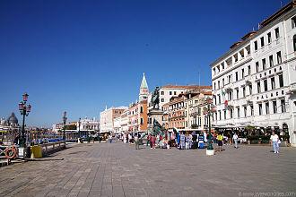 Riva degli Schiavoni - the stall market